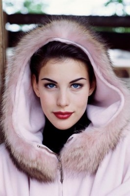 Liv Tyler V2 [One Frame] inspiration