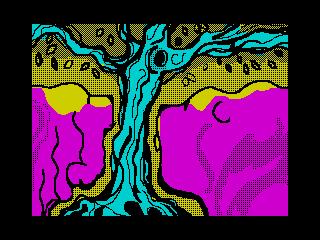 Собака и бобер смотрят на белку на старом дереве